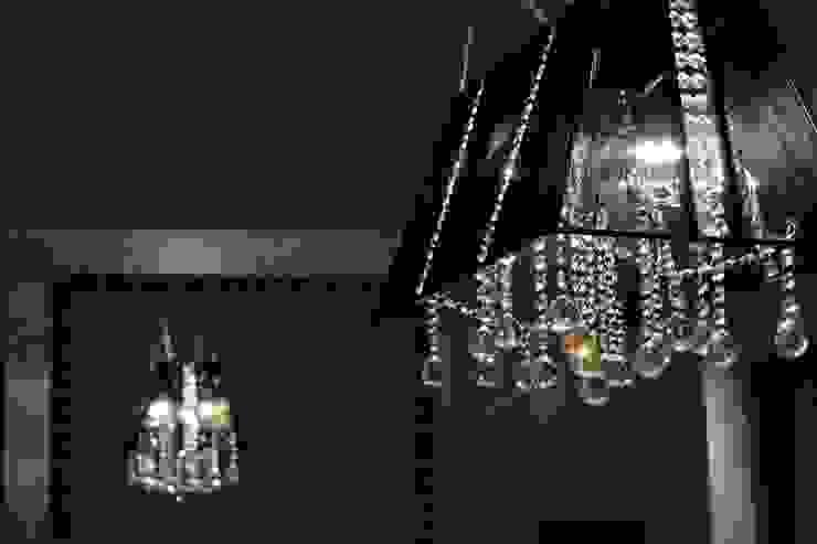 Detalle lámpara de comedor Comedores de estilo moderno de Paco Escrivá Muebles Moderno
