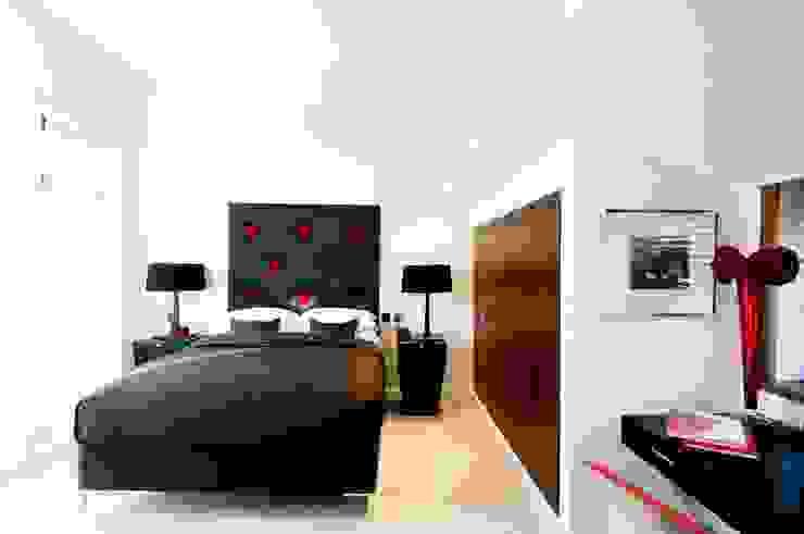 London NW8 Modern style bedroom by kt-id Modern