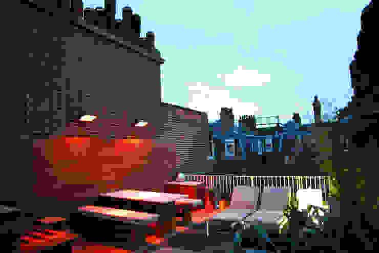 Sloane Square, London Modern balcony, veranda & terrace by Urban Roof Gardens Modern