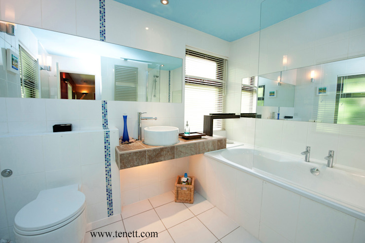 CONTEMPORARY LIVING Modern bathroom by 2A Design Modern