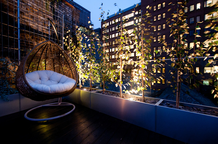 London Bridge, London Balcones y terrazas de estilo moderno de Urban Roof Gardens Moderno