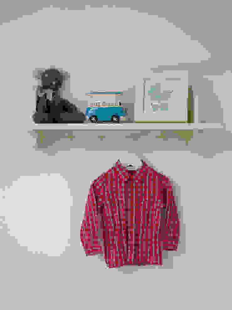 Little LEIVARS Eclectic style nursery/kids room by LEIVARS Eclectic