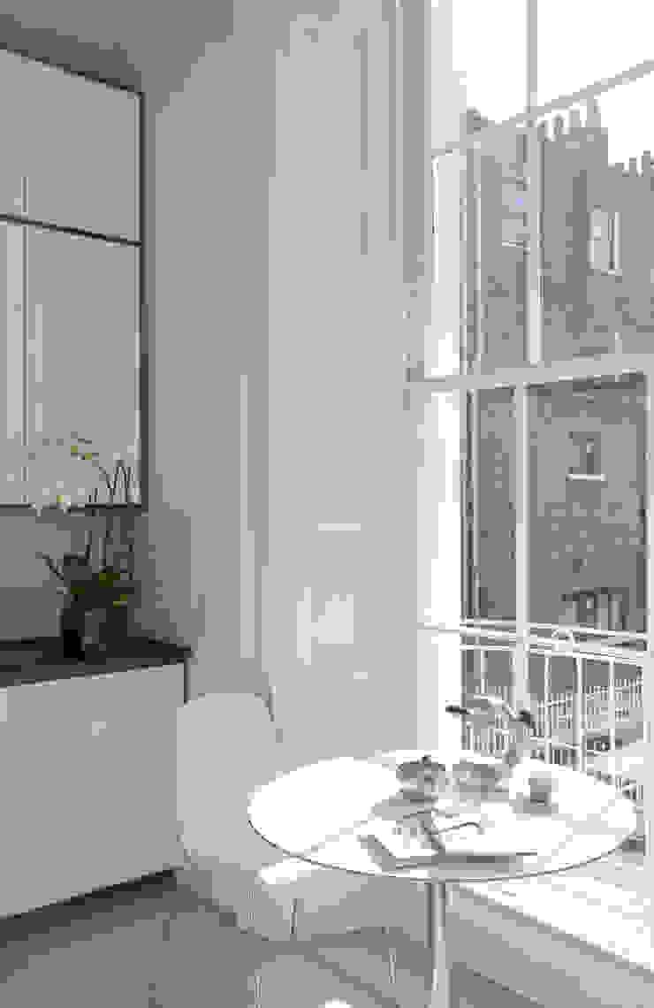 North London LEIVARS Cocinas de estilo moderno
