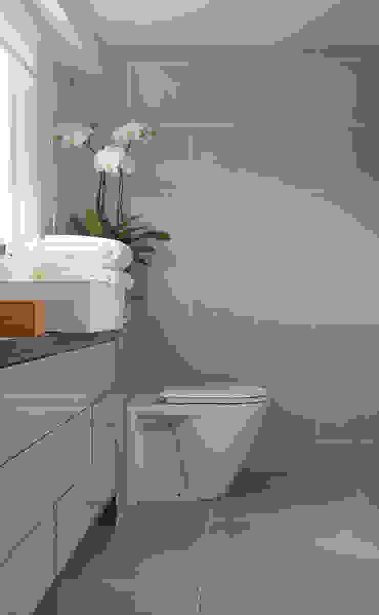 Westminster Modern bathroom by LEIVARS Modern