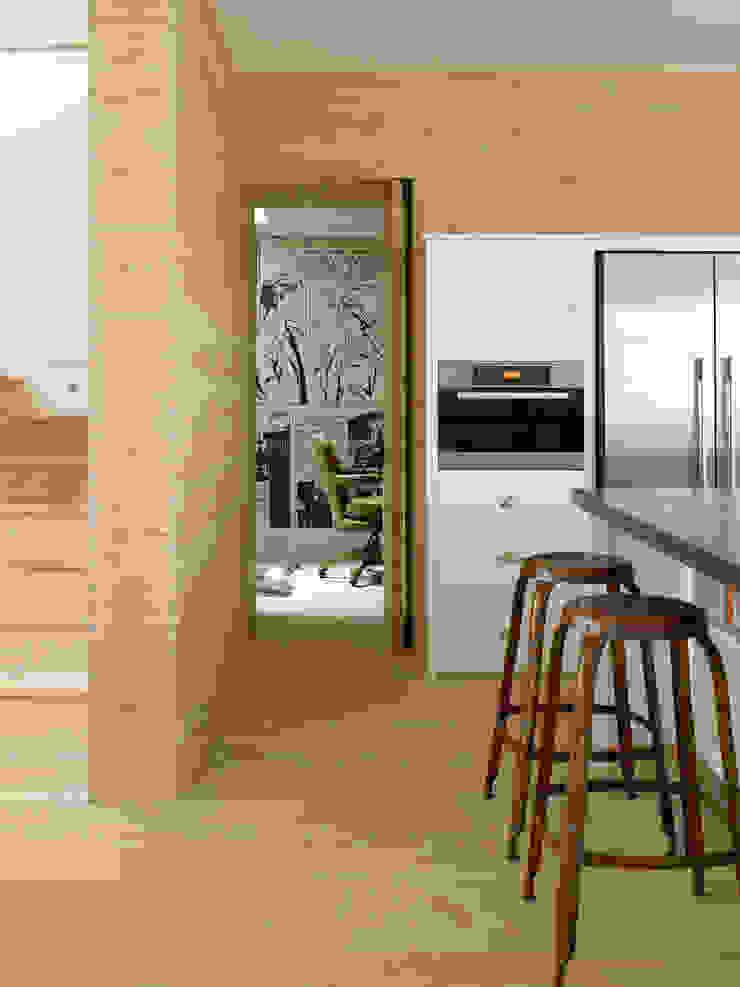 Wimbledon Cozinhas modernas por LEIVARS Moderno