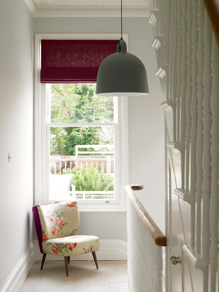 Wimbledon Pasillos, vestíbulos y escaleras modernos de LEIVARS Moderno