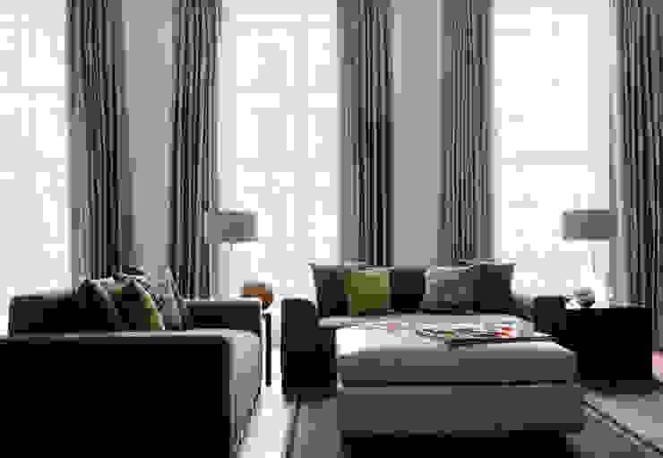 North London LEIVARS Salones de estilo moderno