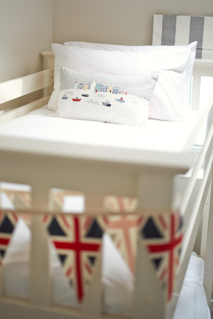 Porthleven Eclectic style nursery/kids room by LEIVARS Eclectic