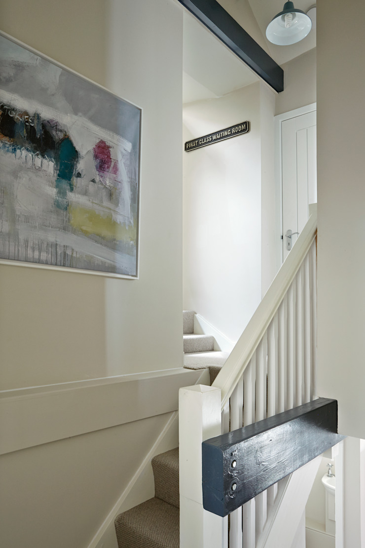 Porthleven Eclectic style corridor, hallway & stairs by LEIVARS Eclectic
