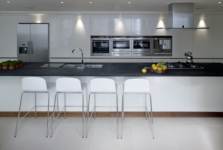 Kitchen by LEIVARS, Modern