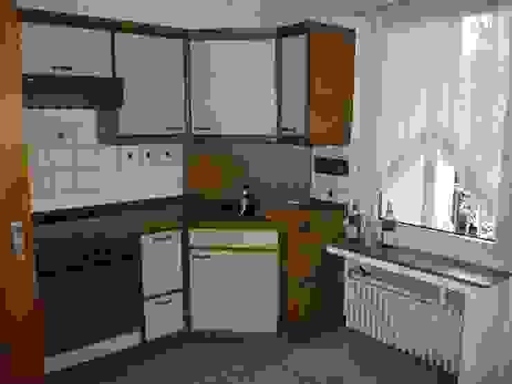 Küche vorher: modern  von raumessenz homestaging,Modern