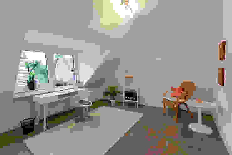 Arbeitszimmer nachher Moderne Arbeitszimmer von raumessenz homestaging Modern