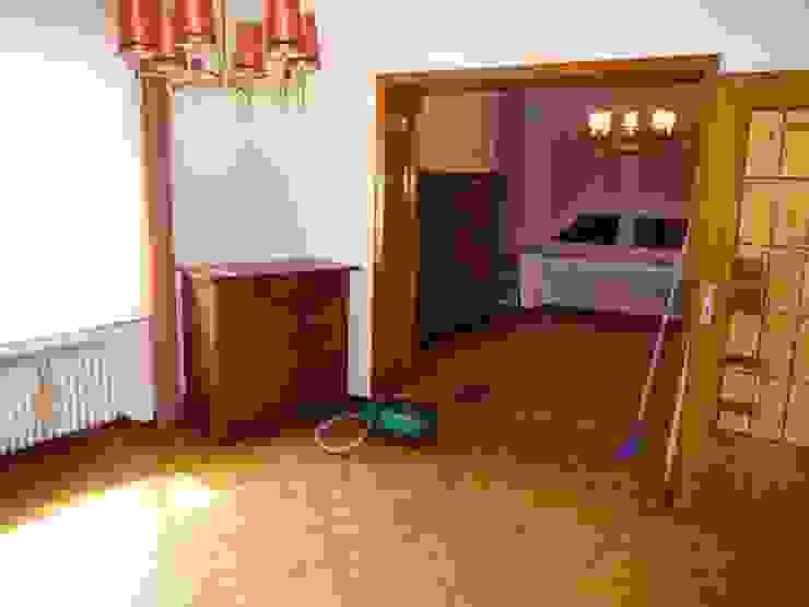 Wohnzimmer vorher: modern  von raumessenz homestaging,Modern