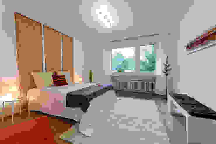 Schlafzimmer nachher Moderne Schlafzimmer von raumessenz homestaging Modern