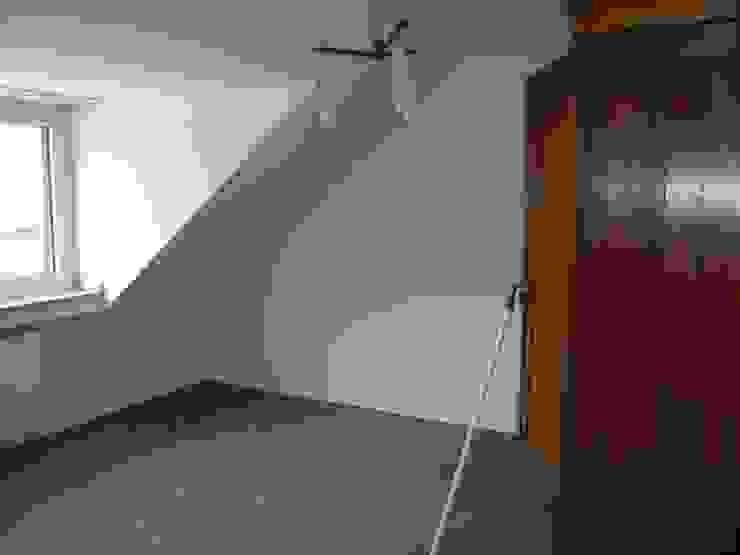 Arbeitszimmer vorher: modern  von raumessenz homestaging,Modern