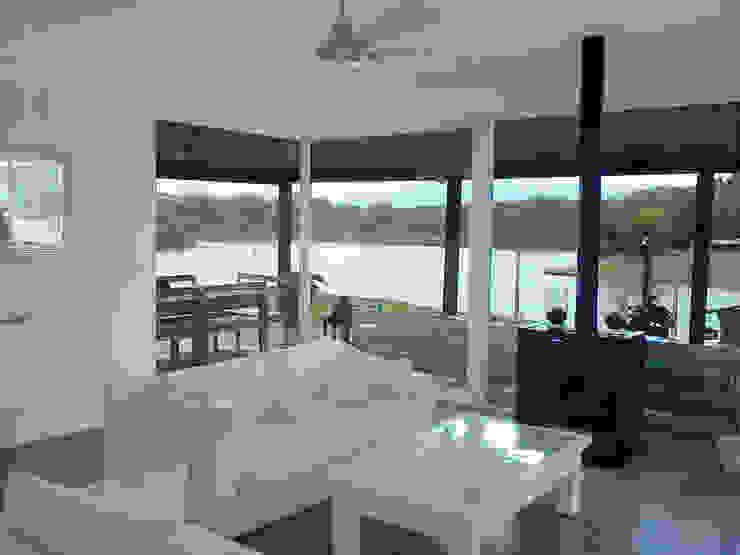 Casa en el Delta 2424 ARQUITECTURA Livings modernos: Ideas, imágenes y decoración