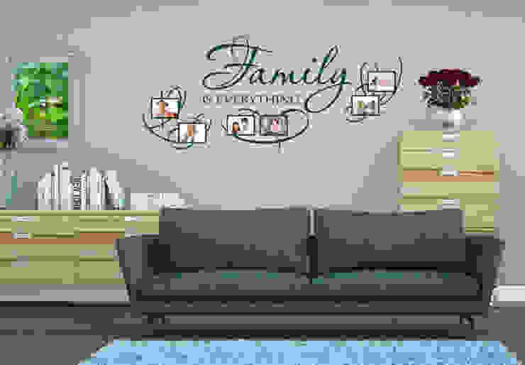 Wandtattoo - Family is everything mit Platz für Fotos von K&L Wall Art Ausgefallen