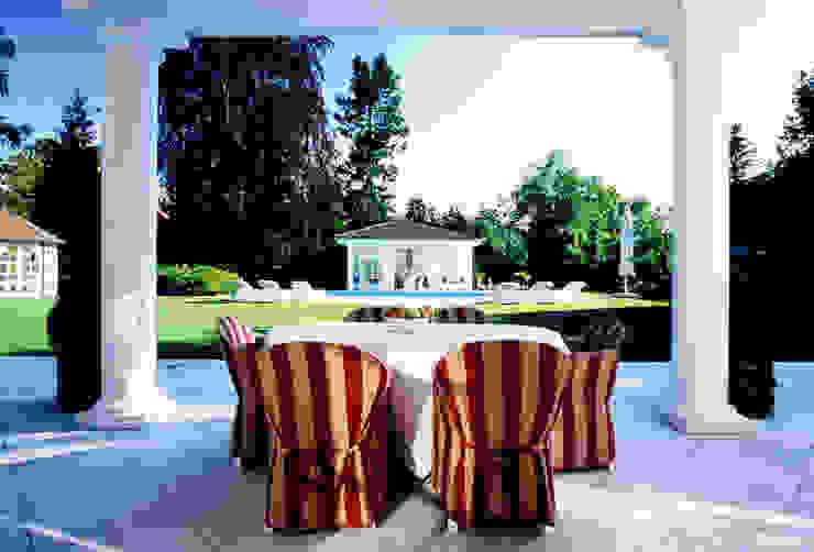 Villa in Monaco Balcone, Veranda & Terrazza di Scultura & Design S.r.l.