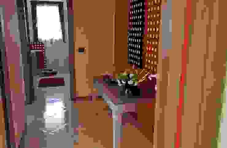corridoio Ingresso, Corridoio & Scale in stile moderno di Gabriella Sala Design Moderno