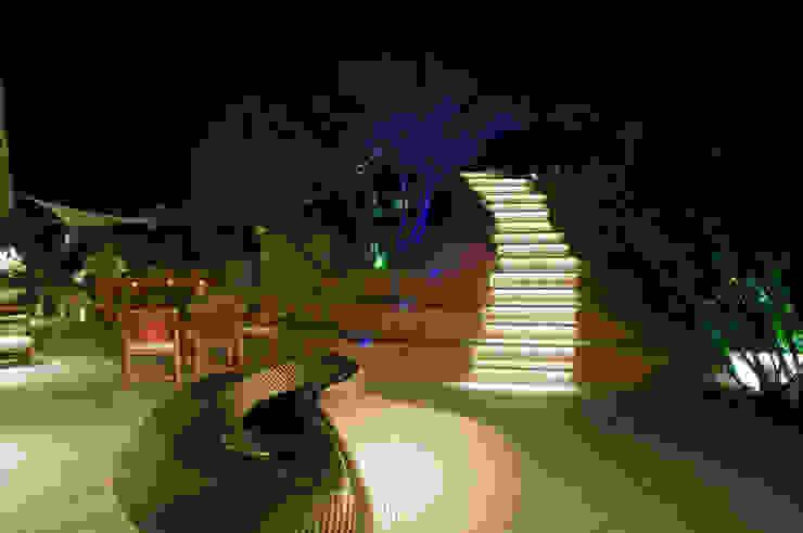 Villa in Sardegna Balcone, Veranda & Terrazza di Scultura & Design S.r.l.