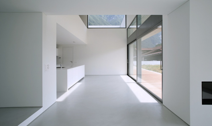 fugenloser Fußboden Moderne Wohnzimmer von Savamea   edel - mineralisch - fugenlos Modern