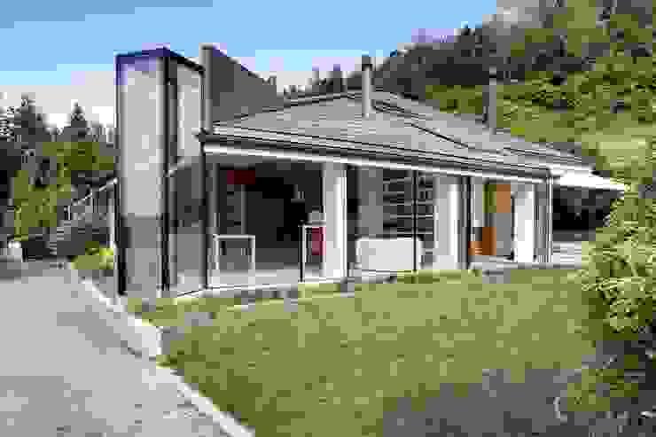 Glass Kitchen Cocinas de estilo moderno de ARCHICURA Moderno