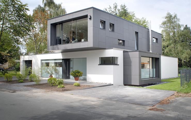 Modern houses by Architekten Spiekermann Modern
