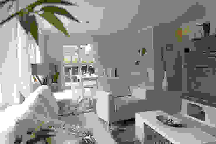 Wohn-/Esszimmer2 Wohnzimmer im Landhausstil von wohnhelden Home Staging Landhaus