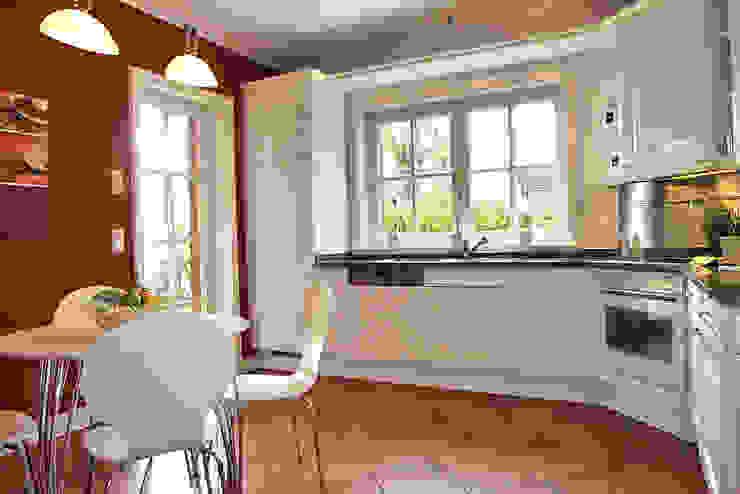 Küche von wohnhelden Home Staging Landhaus