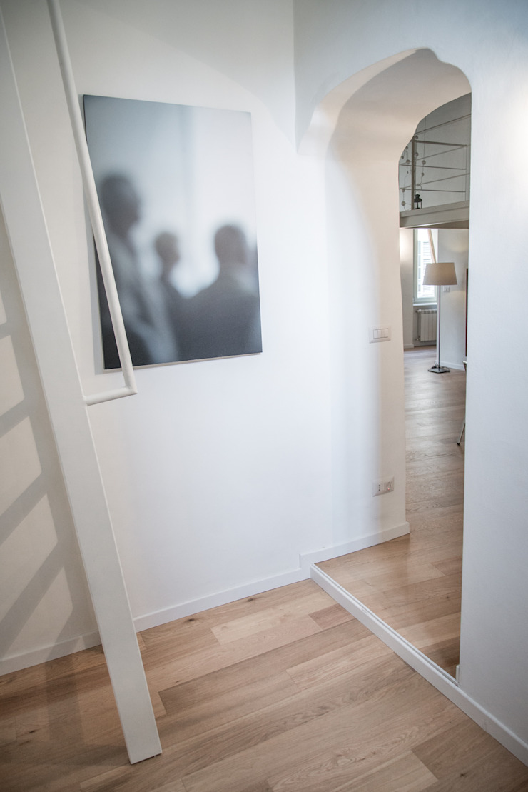 Corridor, hallway & stairs design ideas by con3studio