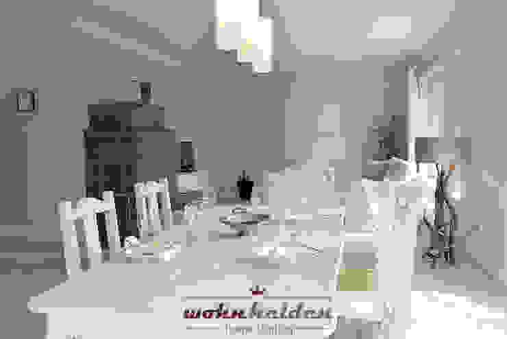 Wohn-/Esszimmer Wohnzimmer im Landhausstil von wohnhelden Home Staging Landhaus