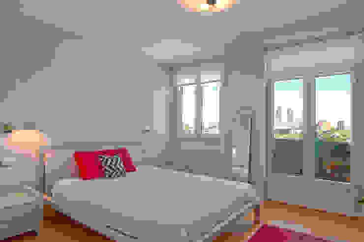 Una habitación con vistas Dormitorios de estilo clásico de Apersonal Clásico