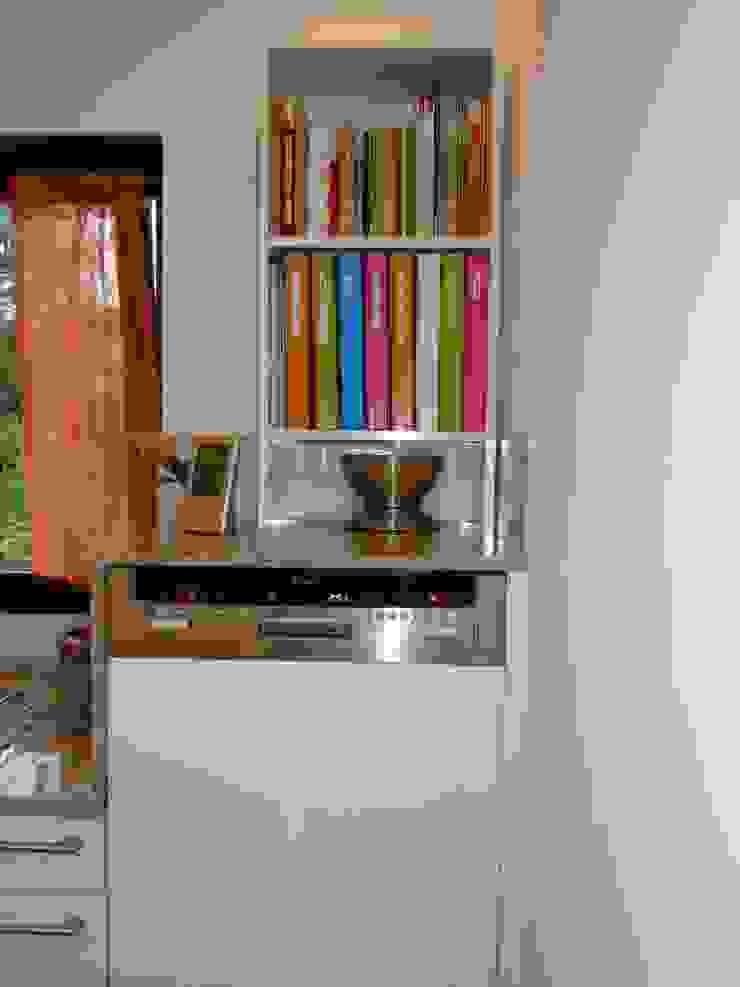 modern  by Schrankplaner GmbH, Modern