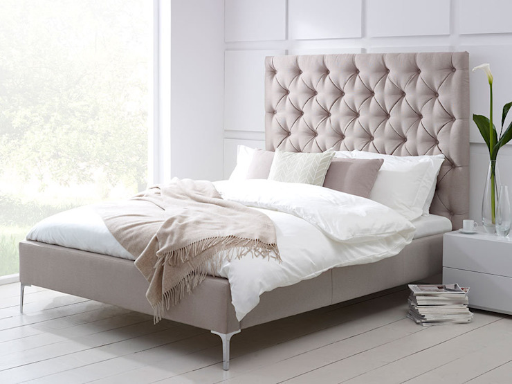 Elise Tall Bed de Living It Up Moderno
