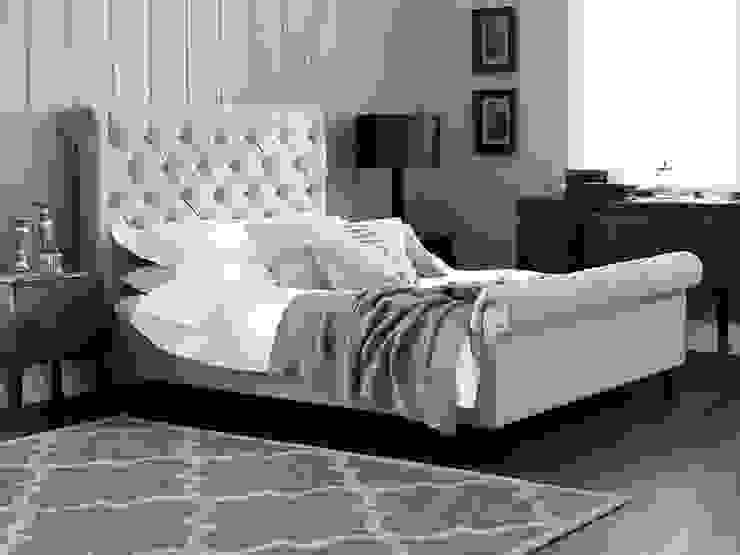 Evie Bed de Living It Up Moderno