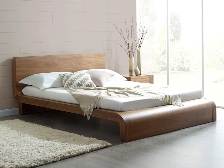 Roma Natural Walnut Bed de Living It Up Moderno
