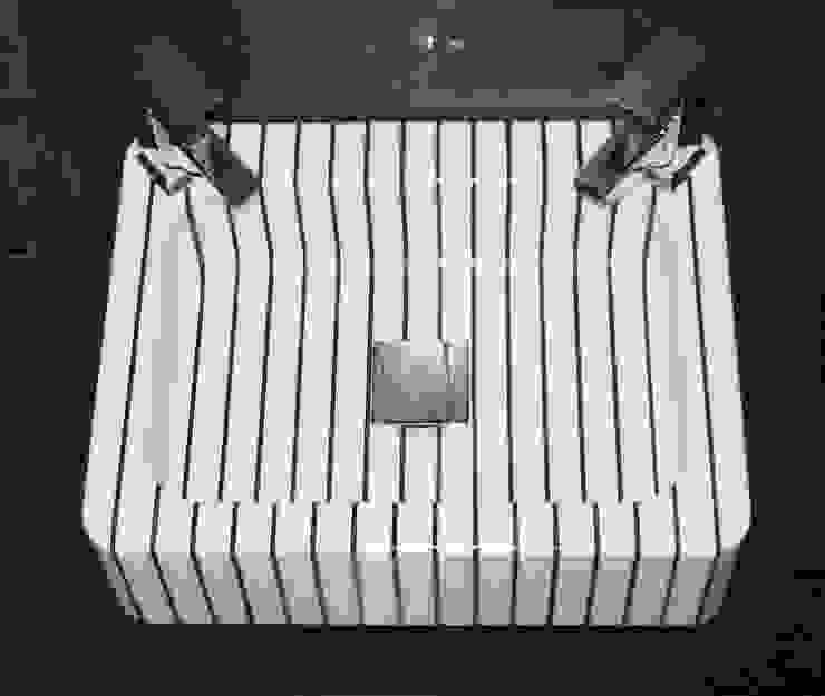 vertical pinstripe hand basin от srb enginering 2000 ltd Классический
