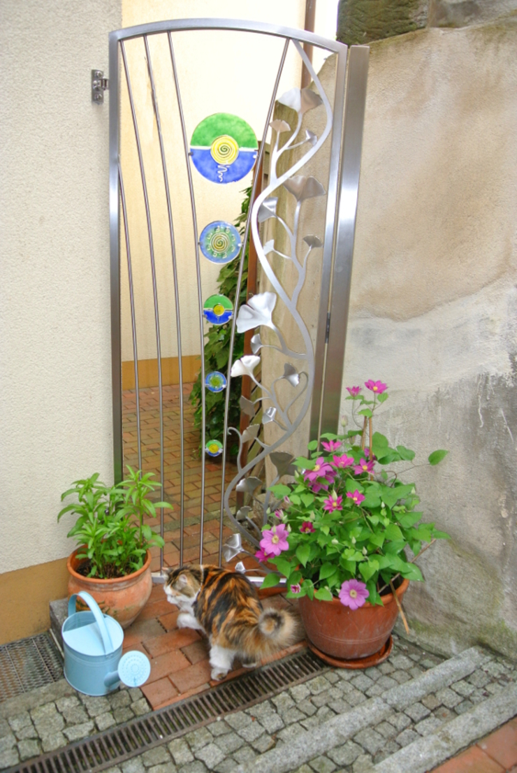 Edelstahltore Moderner Garten von Edelstahl Atelier Crouse: Modern