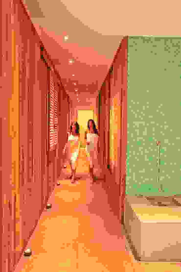 Spa moderne par Studio di Architettura e Design Moderne