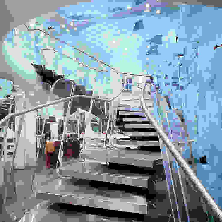 FORNARINA Espaces commerciaux modernes par Ni.va. Srl Moderne