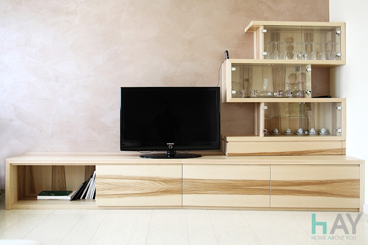 Modern living room by Naturalmente Legno Srl Modern