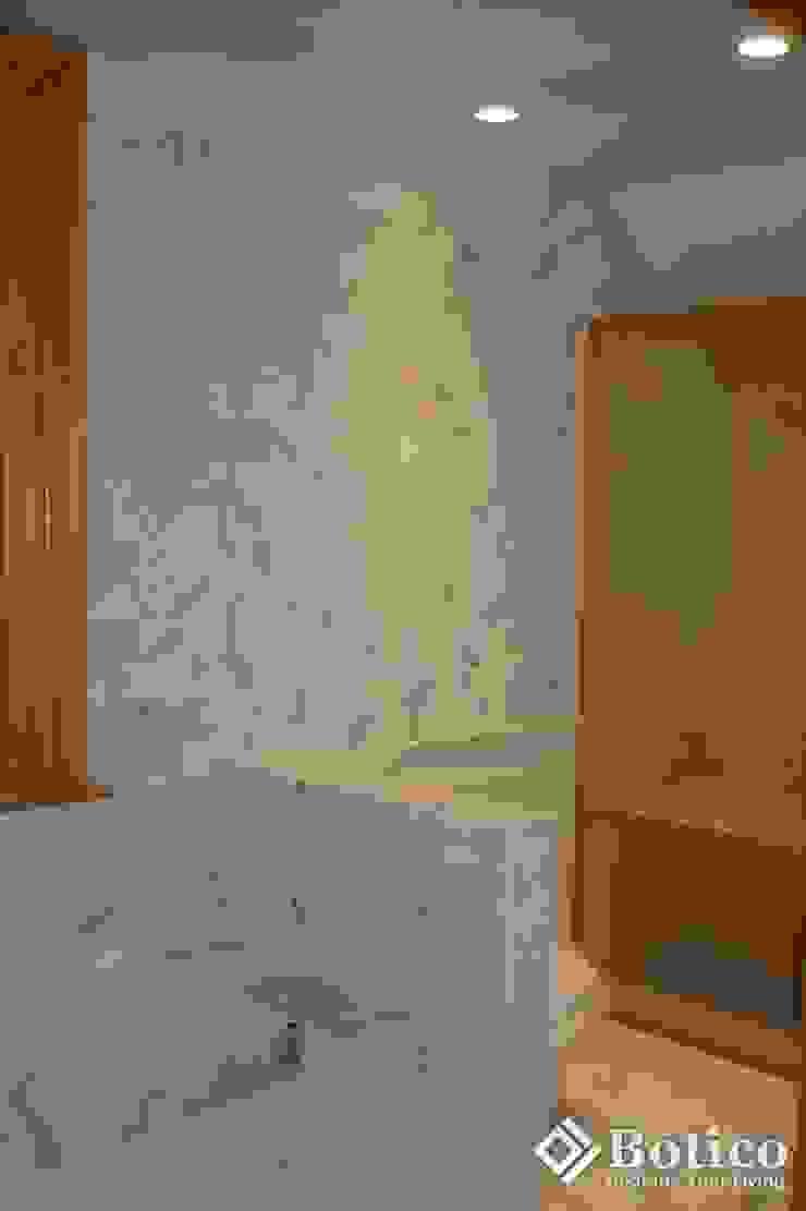 Lincoln Bathroom Remodeling Bagno in stile classico di Botico Classico