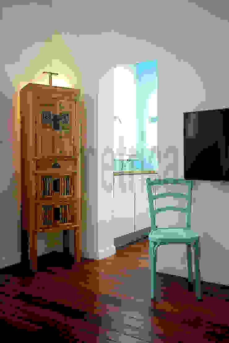 Vista de salón a Cocina Salones de estilo ecléctico de Ametrica & Interior, S.L. Ecléctico