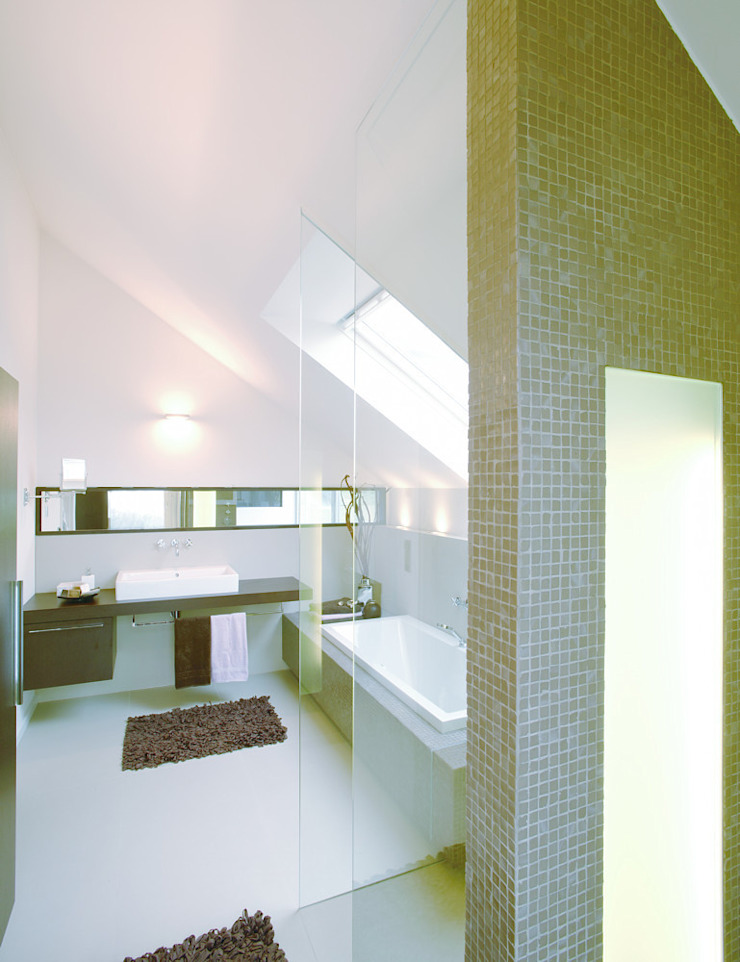 Modern bathroom by Angelika Wenicker - Vollbad Modern