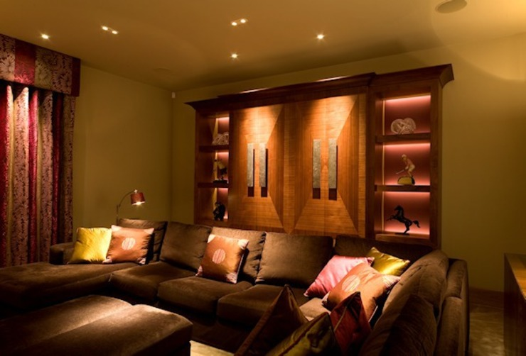Seating area in the TV Lounge Modern living room by Brilliant Lighting Modern
