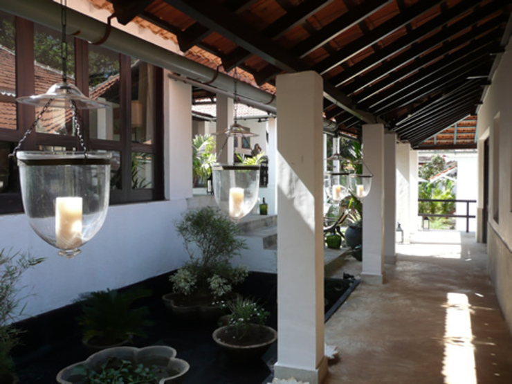 Two Houses in Goa Eclectic style balcony, veranda & terrace by 4D Studio Architects and Interior Designers Eclectic
