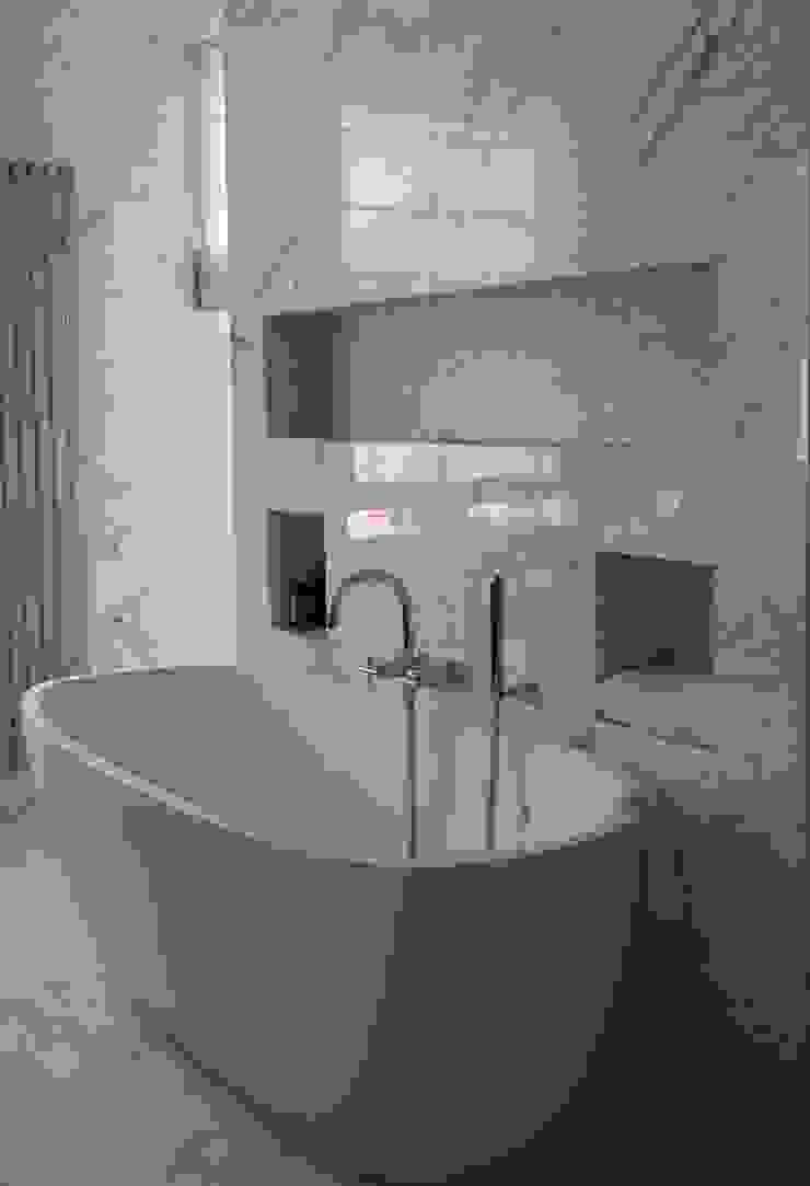 Italian Marble Bathroom Bathroom by Amarestone