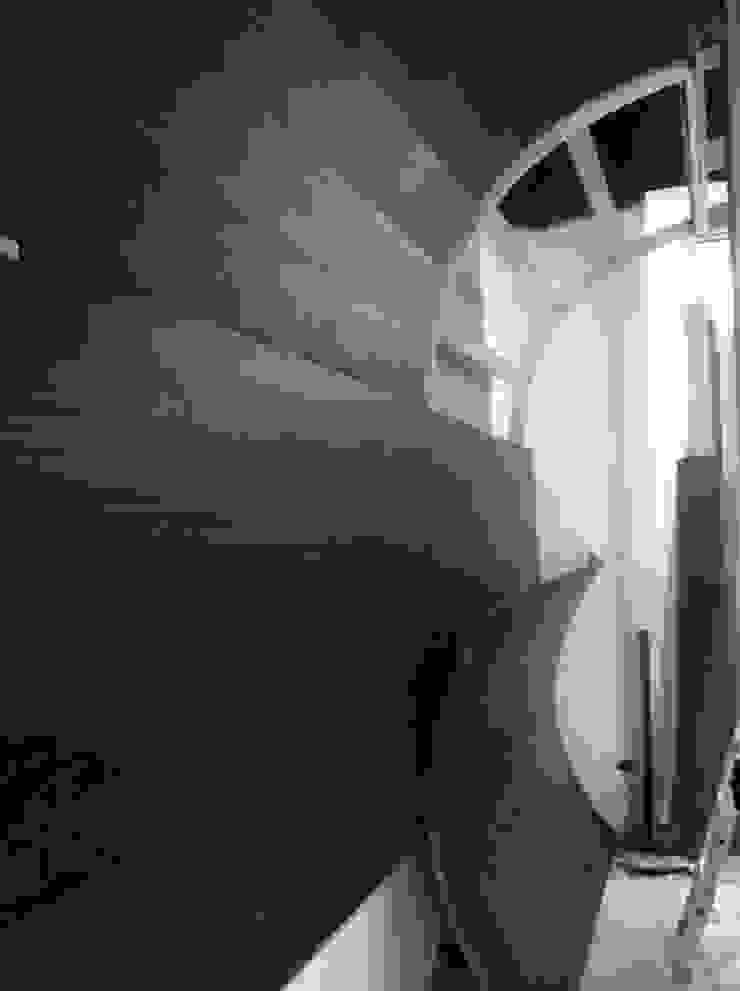 Ryoga_montaggio copertura sala 1 Sedi per eventi moderne di laboratorio di architettura - gianfranco mangiarotti Moderno