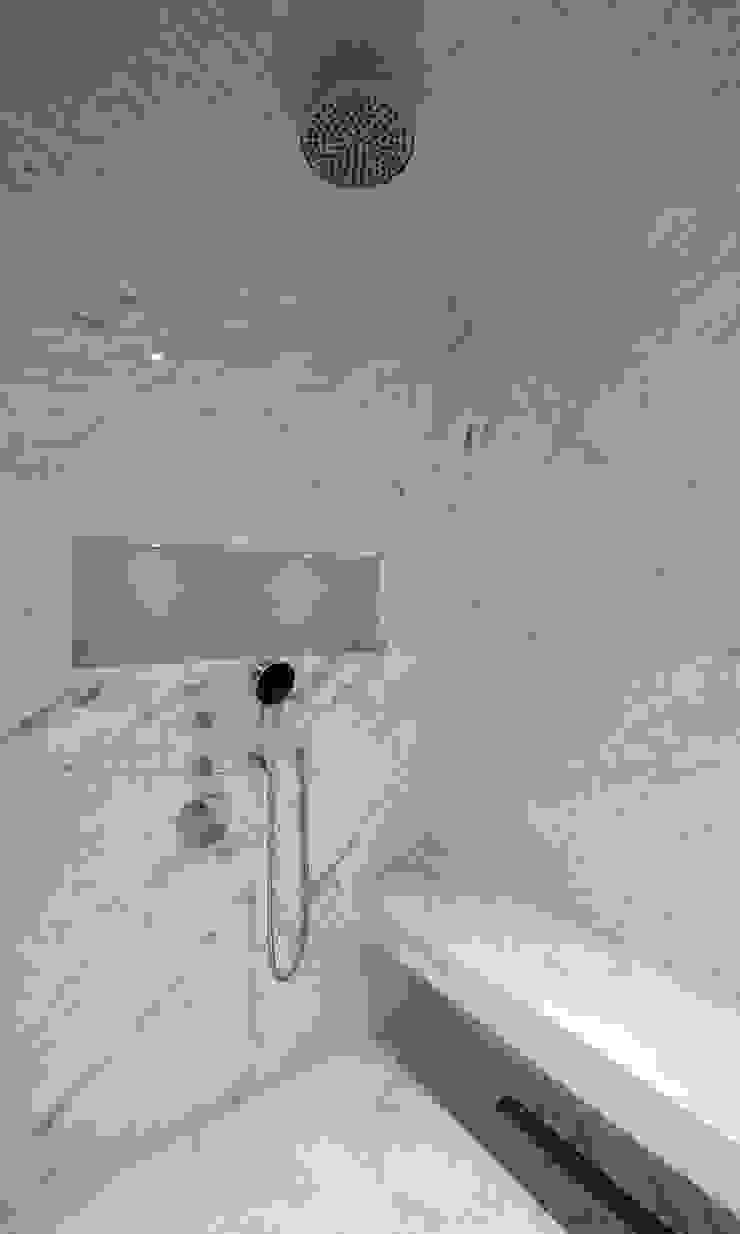 Italian Marble Shower Enclosure Modern bathroom by Amarestone Modern