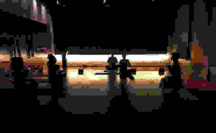 Ryoga_sala 1 Sedi per eventi moderne di laboratorio di architettura - gianfranco mangiarotti Moderno